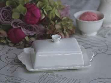 Butterdose Keramik Weiß : sias decodreams chic antique butterdose wei keramik provence ~ Watch28wear.com Haus und Dekorationen